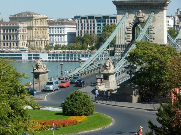 גשר השלשלאות בודפשט