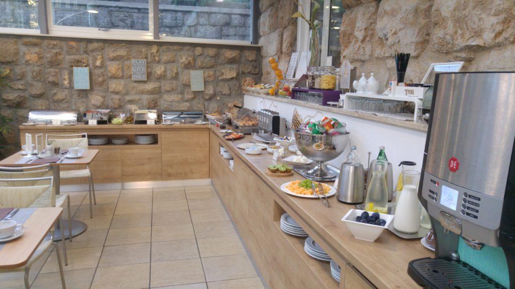 ארוחת בוקר בלוברן