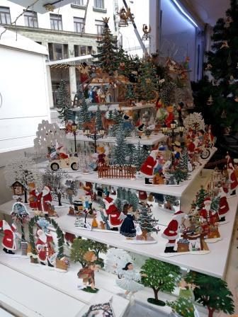 דוכן מתנות בשוק חג המולד בוינה