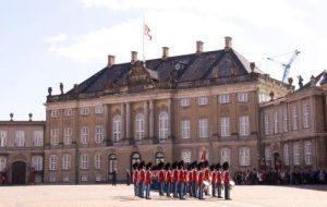 חילופי משמר בארמון קופנהגן