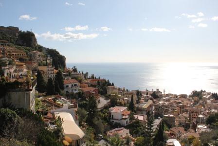 סיציליה - טראומינה נוף העיר והים