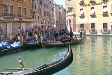 לאן שטות הגונדולות בונציה?